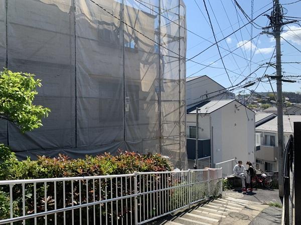 新築アパートの建築現場を見学